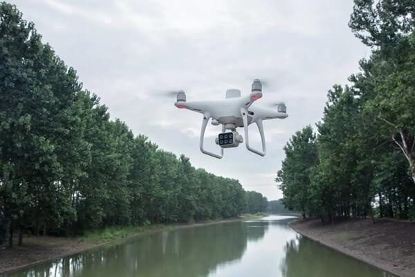 dron za nadzor okoliša
